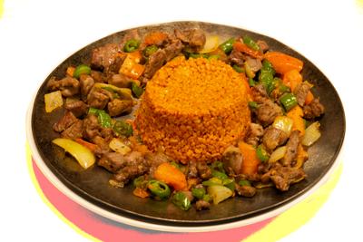LAM SAC KAVURMA /189,-   Marinert lamkjøtt med grønnsaker som wokkes på en tyrkiske måte. Serveres med ris, salat og tzakziki(M,HV)