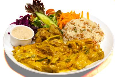 KYLLING KARRI /189,-   Strimlet kylling laget av soppsaus og karri krydder. Serveres med ris, salat og tzatziki (M,HV)