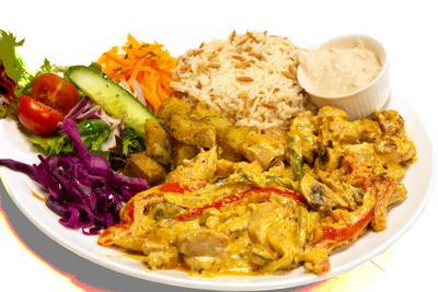 KYLLING BOMBAY /189,-   Strimlet kylling laget av soppsaus og grønnsaker. Serveres med ris, salat og tzaziki (M,HV)