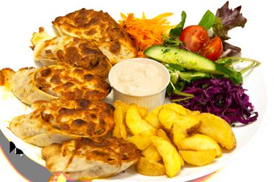 KEBAB SPECIAL /179,-   Rullet kebab skiver, toppes med mozzarella. Serveres med pommes frites og tzatziki (HV,M)