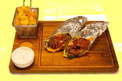 KEBAB RULL /89,-   Serveres med pommes frites og tzatziki (M,HV)